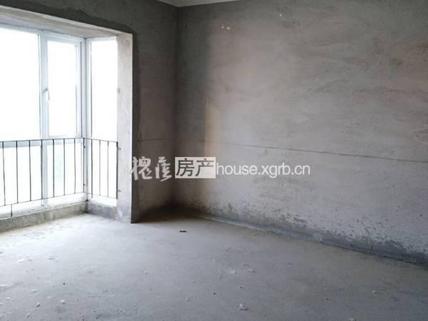 出售湾流汇 亚澜湾4室2厅2卫126平米93万住宅
